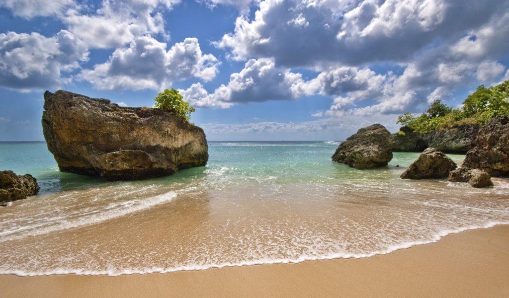 Pantai Padang Bali