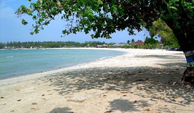 Keindahan Pantai Bandengan Jepara dan Legendanya