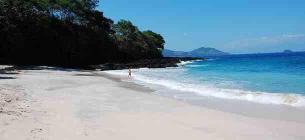 Pantai Bias Putih