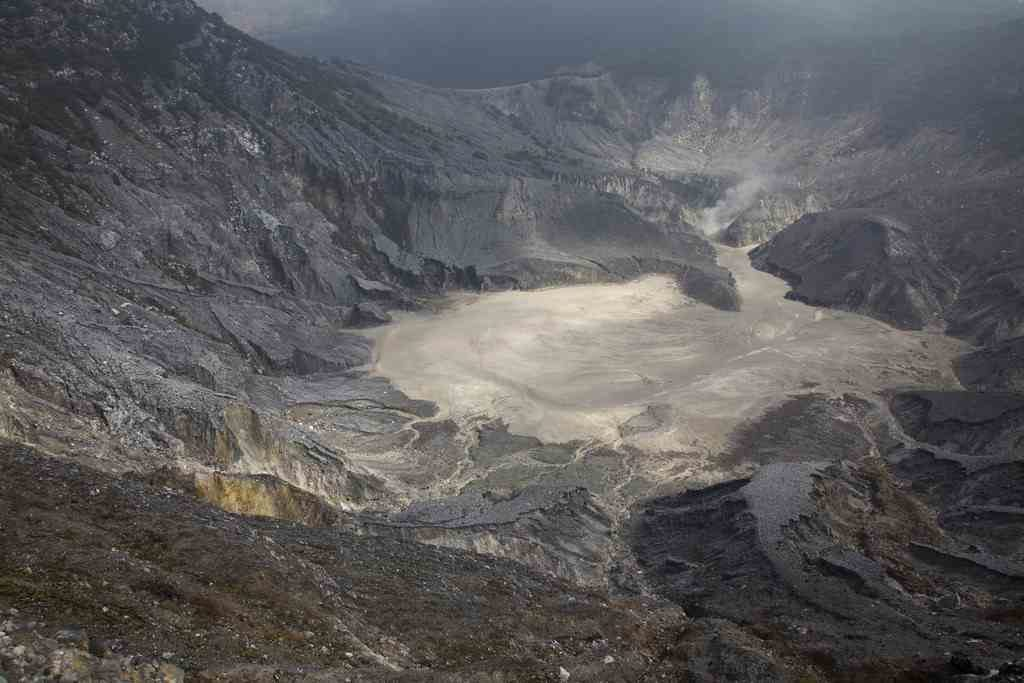 Status Gunung Tangkuban Perahu
