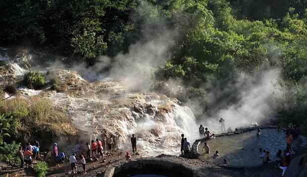 Wisata Air Panas Gunung Kelud