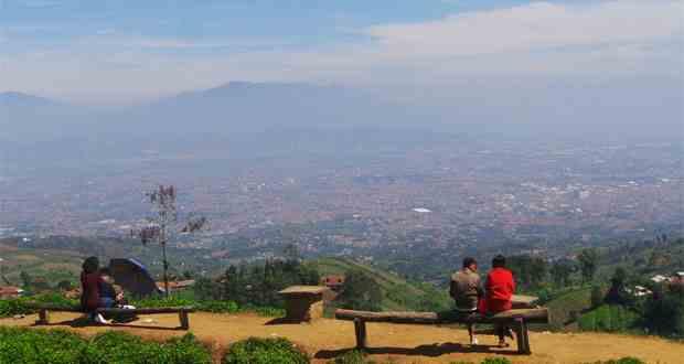 Wisata Alam Bandung dan Sekitarnya Tujuan Utama Wisatawan