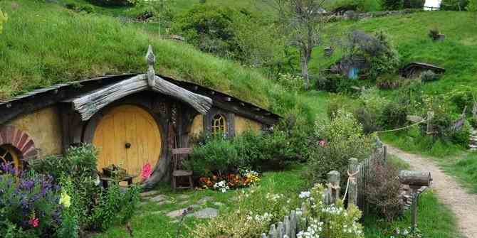 Rumah Hobbit ala Hobbiton di New Zealand