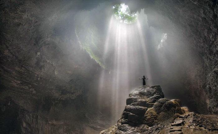 Wisata Yogyakarta - Goa Jomblang