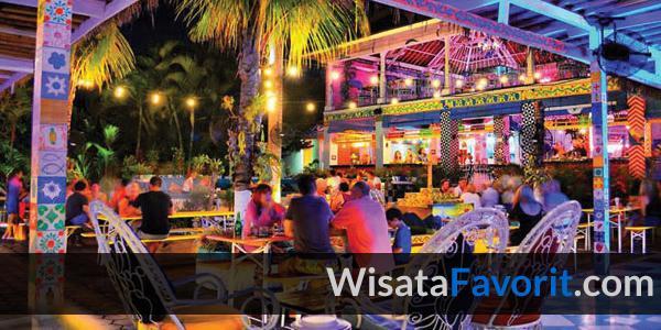 7 Rekomendasi Tempat Wisata Malam di Bali yang Asyik untuk Nongkrong