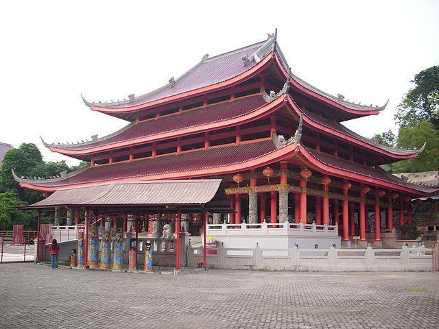 Berfoto Seperti di Luar Negeri di Kuil Sam Poo Kong