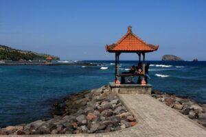 Menikmati Sisi Lain Keindahan Bali dari Pantai Candidasa